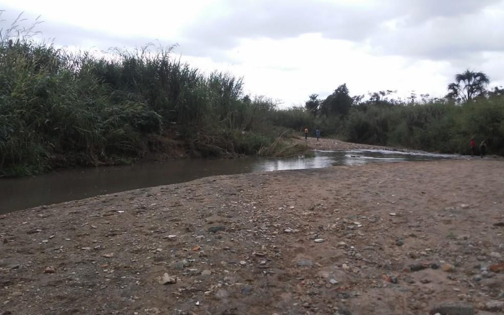 Córrego Tamanduá em Aparecida de Goiânia — Foto: Reprodução/TV Anhanguera