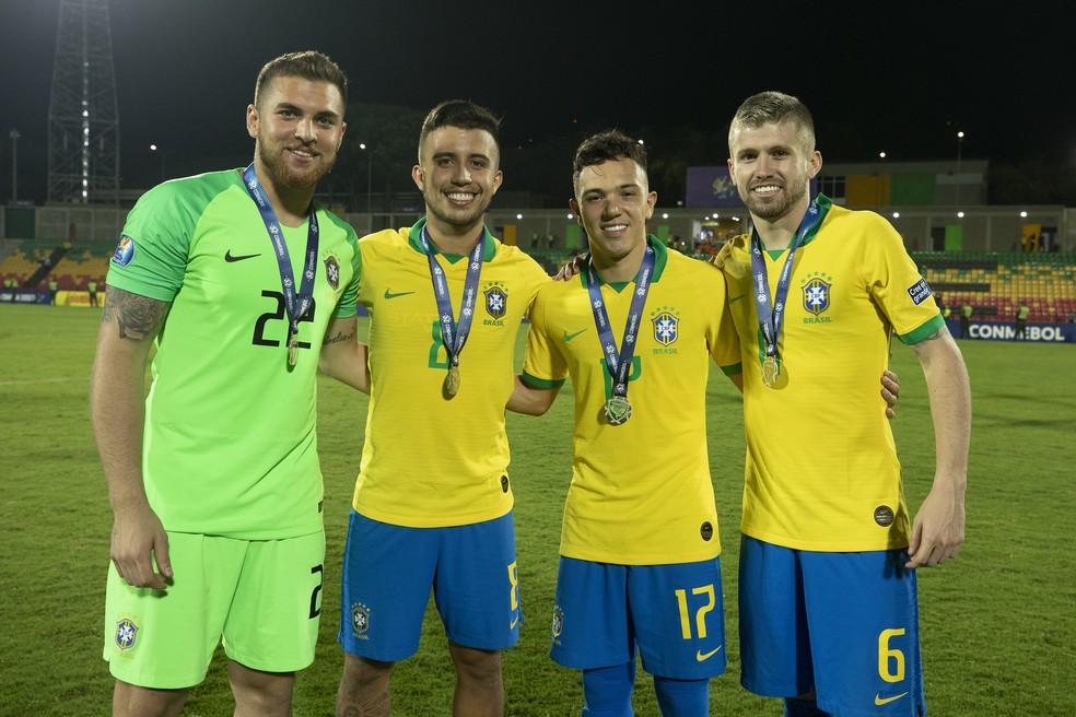 Megiolaro, Matheus Henrique, Pepê e Caio Henrique voltam ao Grêmio após o Pré-Olímpico — Foto: Lucas Figueiredo/CBF