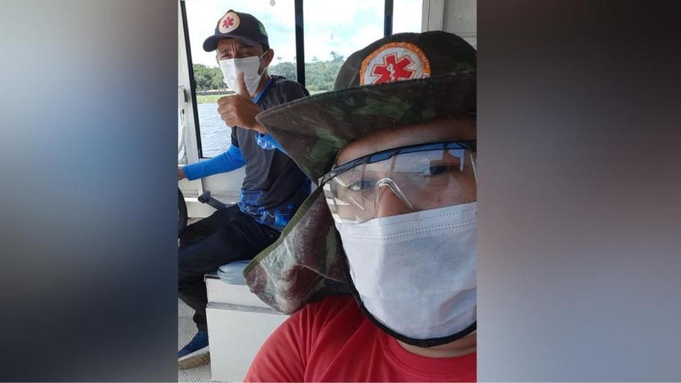 Jelson Araújo e equipe do Samu que prestou socorro às vítimas do raio — Foto: Arquivo pessoal