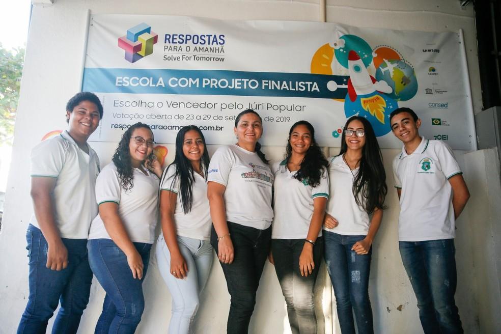 Alunos celebram vitória em concurso que elege ideias inovadoras para preservação do meio ambiente — Foto: Kid Junior/SVM