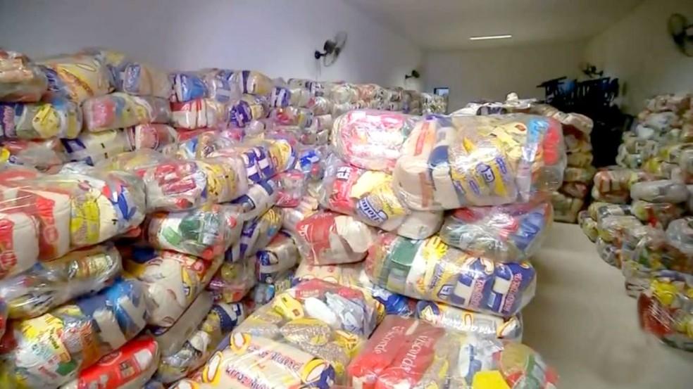 Voluntários de Bauru levaram 30 toneladas de alimentos ao sertão nordestino — Foto: TV TEM/Reprodução