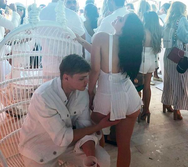 A atriz Ariel Winter com o namorado, o ator Levi Meaden (Foto: Instagram)