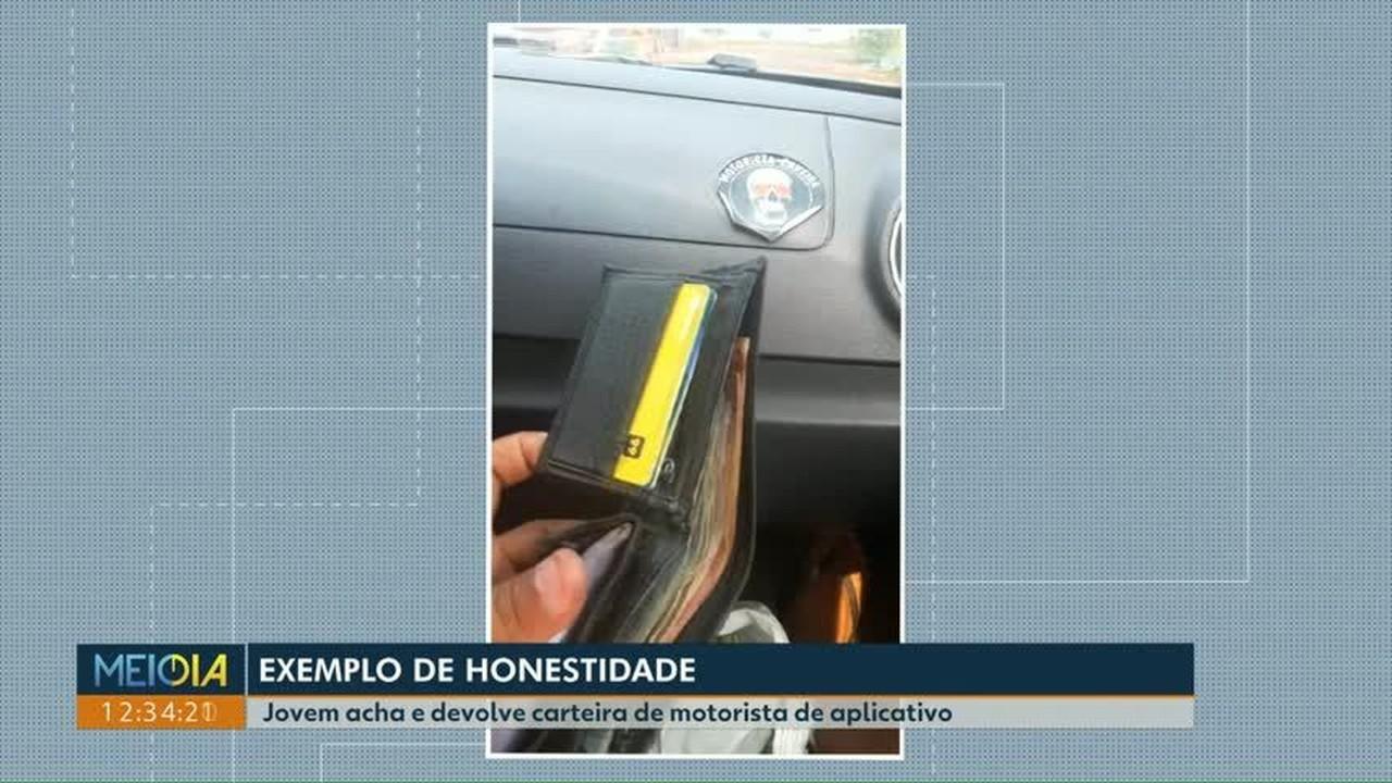 Jovem acha e devolve carteira de motorista de aplicativo em Londrina
