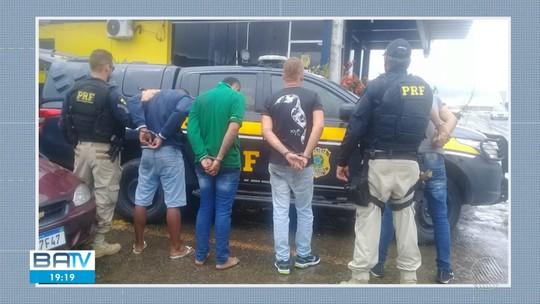 Motorista de transportadora é feito refém na BR-324 e polícia prende acusados do crime