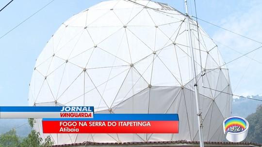 Incêndio consome área de 142 campos de futebol no Parque do Itapetinga em Atibaia