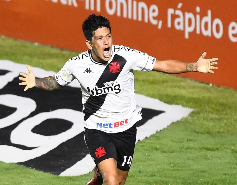 Cano comemora o gol do Vasco contra o Fluminense, em 13 de dezembro do ano passado — Foto: André Durão