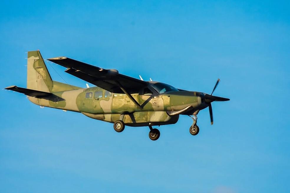Aviões da FAB também participam do treinamento  — Foto: Pedro Vitorino