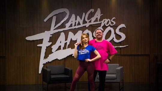 Leo Jaime se joga na dança ao lado de professora durante show em São Paulo