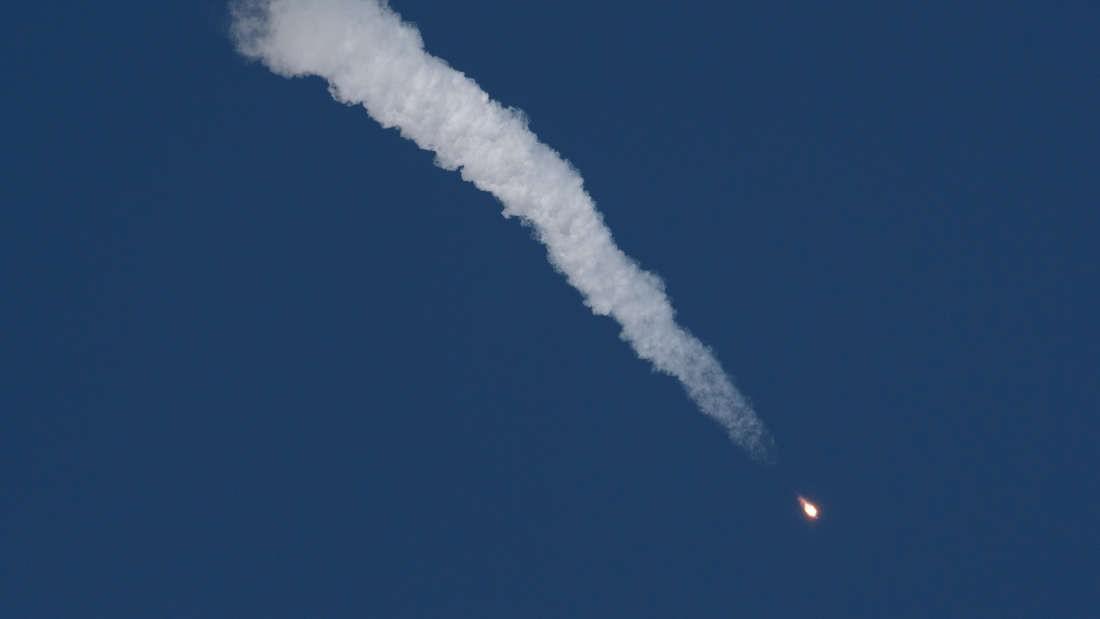 O foguete Soyuz após o lançamento (Foto: Divulgação/NASA)