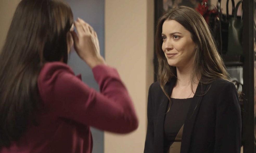 Fabiana (Nathalia Dill) promete ajudar a irmã em 'A Dona do Pedaço' — Foto: Globo