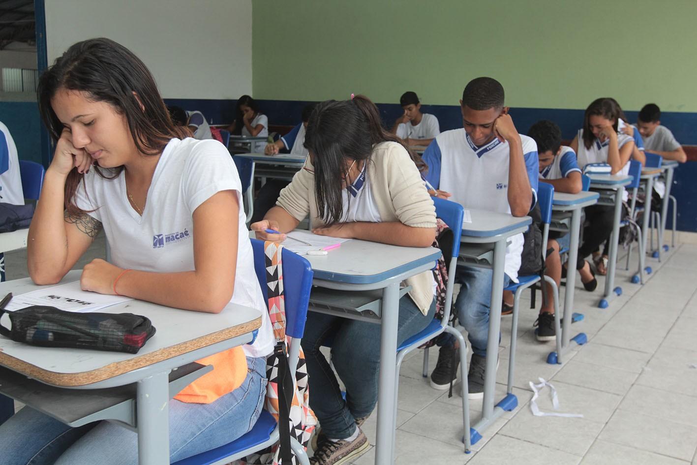 Projeto para obrigar instituições de ensino do RJ a darem desconto durante coronavírus passa na CCJ