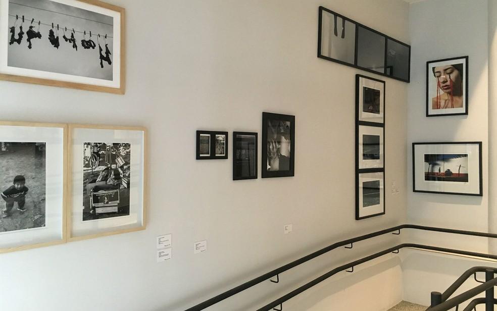 Exposição fotográfica no Espaço Cultural Renato Russo, na 508 Sul, em Brasília (Foto: Luiza Garonce/G1)