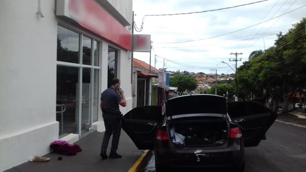 Três suspeitos foram presos em flagrante por estelionato — Foto: José Commandini Neto/Arquivo pessoal