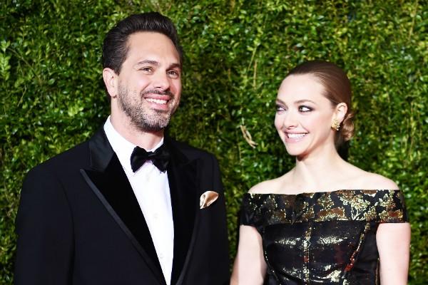 A atriz Amanda Seyfried e o marido, Thomas Sadoski (Foto: Getty Images)