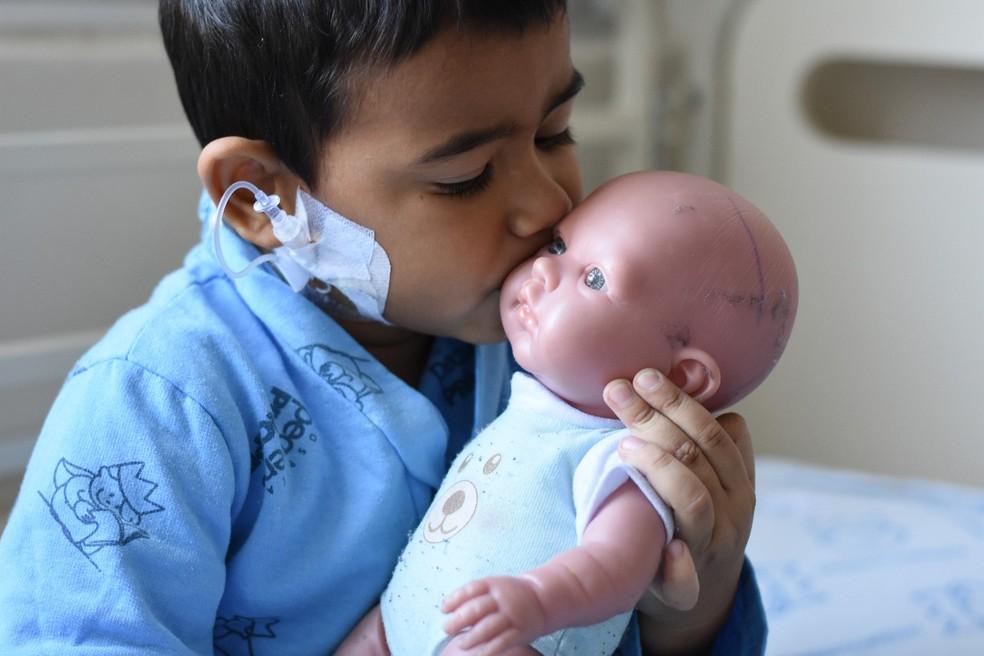 Brinquedos podem fornecer apoio emocional a crianças doentes — Foto: Camila Mendes/Divulgação Hospital Pequeno Príncipe