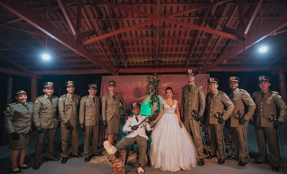 casa-araguaina Noivo é atropelado horas antes do casamento e sobe ao altar em cadeira de rodas após cirurgia