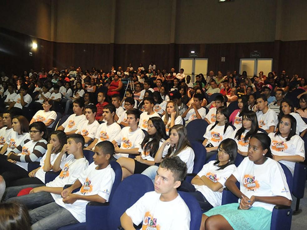 Estudantes participantes do projeto Crasjovem em Indaiatuba — Foto: Laís Fernandes