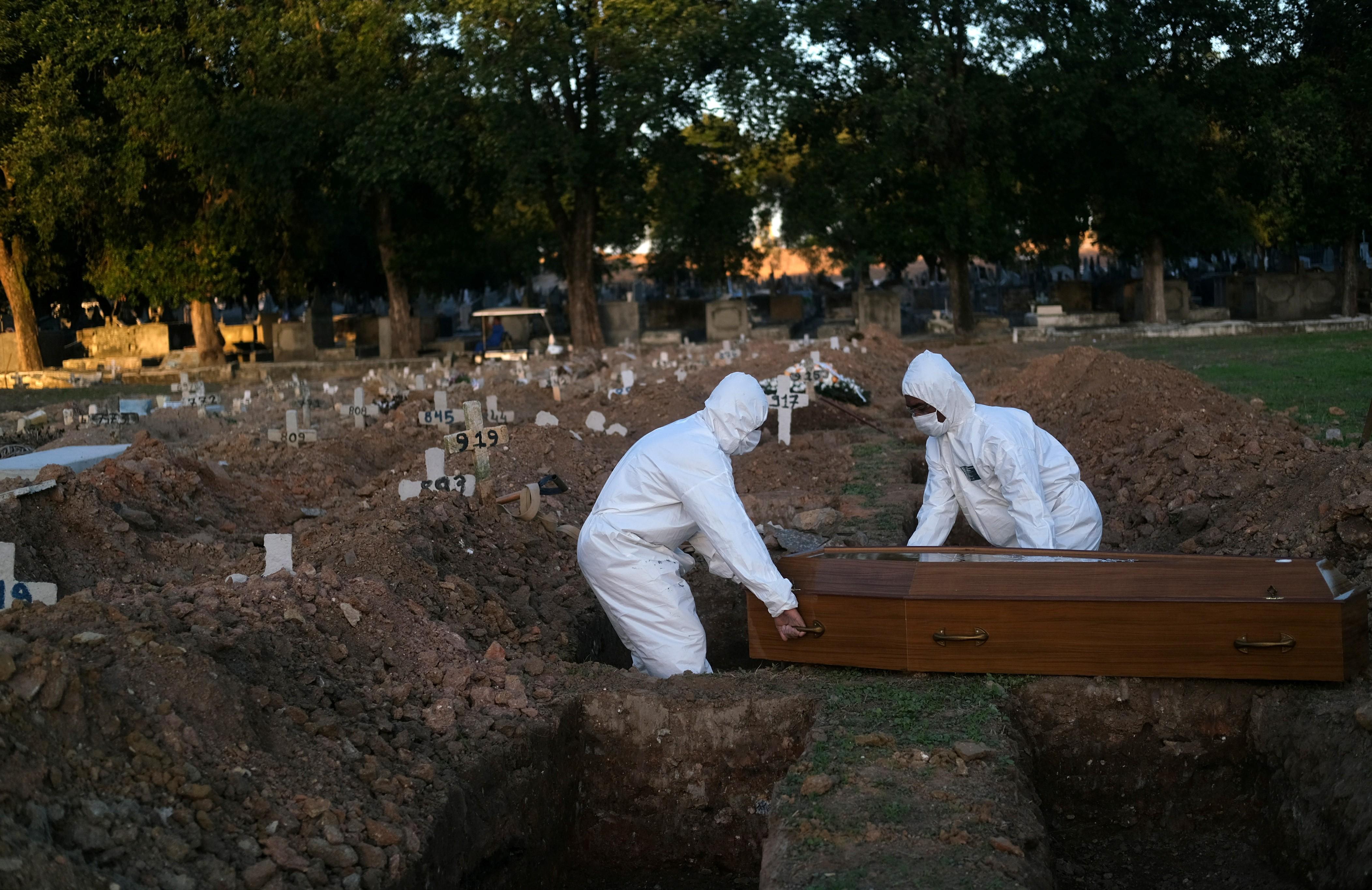 RJ tem 10.667 mortos e 121.292 casos confirmados de Covid-19