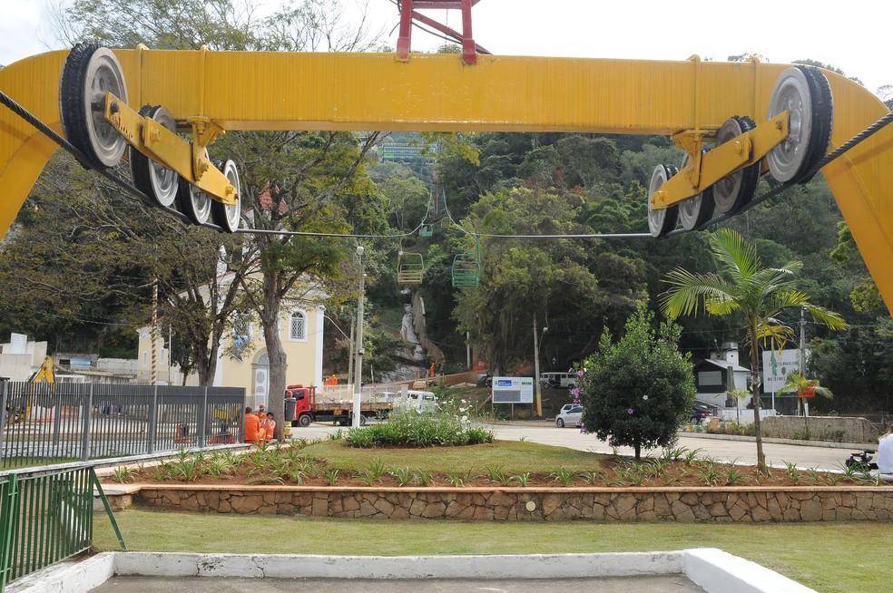 Embarque no teleférico é feito na Praça do Suspiro (Foto: Daniel Marcus/Ascom Friburgo)
