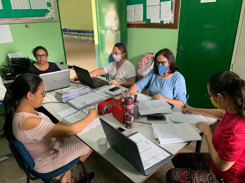 Professores definem planos de aula durante a pandemia  — Foto: Seduc