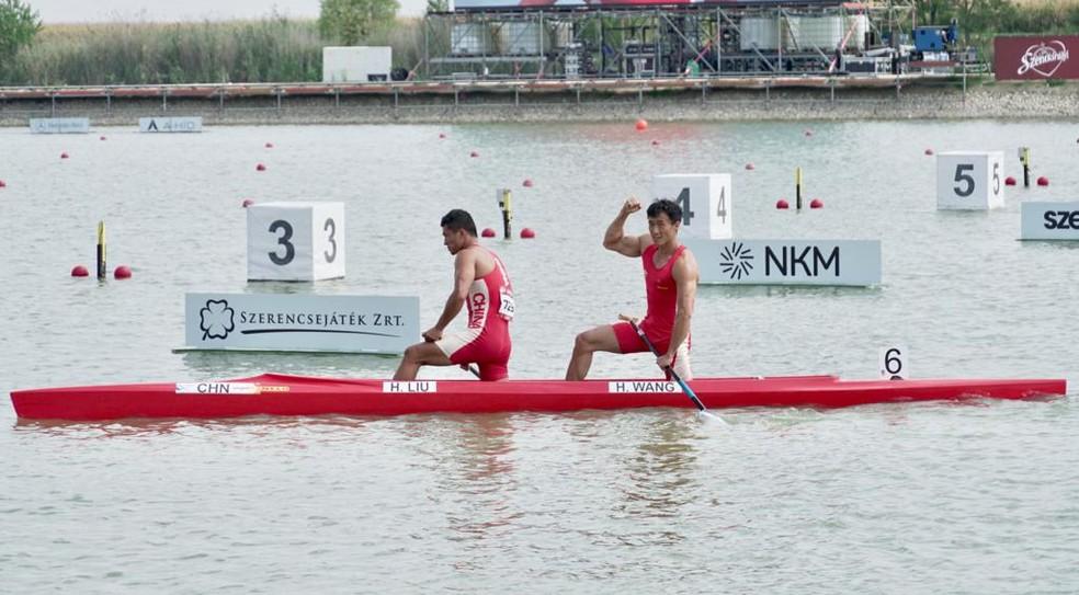 Liu e Wang, da China, foram campeões mundiais no C2 1000m — Foto: Marcelo Courrege