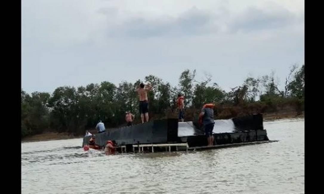 Corpo é encontrado após naufrágio de barco-hotel em rio no Pantanal; 6 pessoas continuam desaparecidas