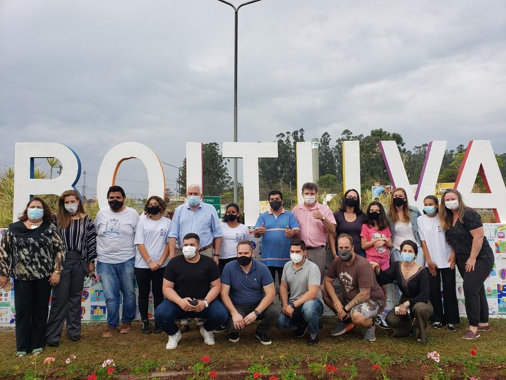 Prefeitura de Boituva inaugura letreiro turístico criado por alunos e idosos de projetos sociais  — Foto: Prefeitura de Boituva/Divulgação