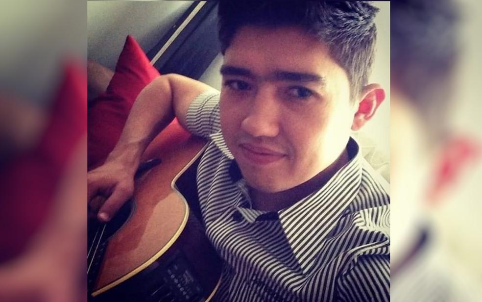Compositor Daniel Damasceno morre em acidente com caminhão na BR-452 — Foto: Reprodução/TV Anhanguera