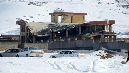 Atentado à base militar deixa mais de 100 mortos no Afeganistão