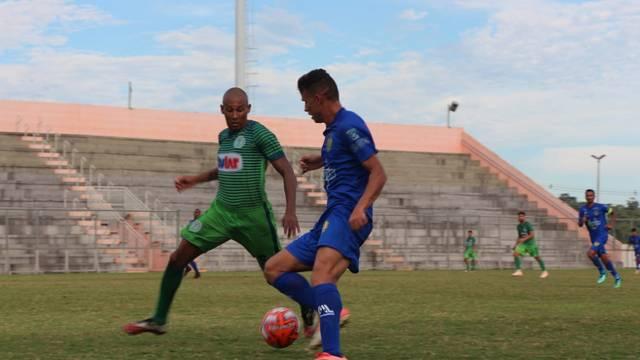 Nacional e Iranduba se enfrentaram nesta segunda, no estádio Carlos Zamith
