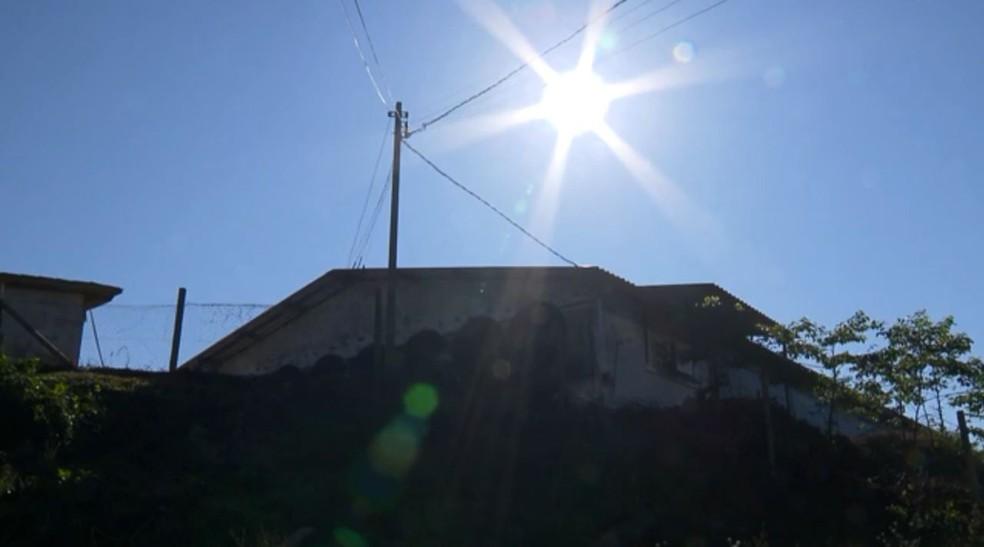 Energia solar é opção sustentável e econômica para produtores — Foto: RPC/Reprodução