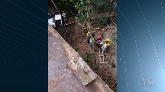 Criança salva avô após caminhonete cair em rio na BR-364, em Mineiros