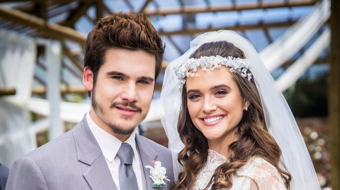 Casamento Marocas e Samuca  confira looks dos convidados em  O Tempo Não  Para   9b669720a6a5