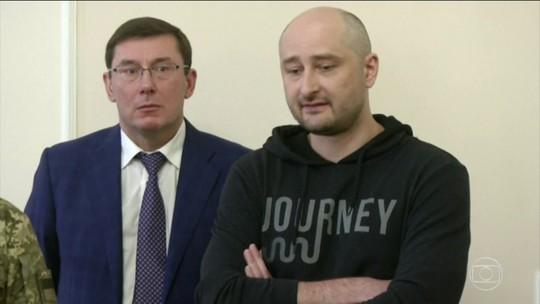 Jornalista dado como morto na Ucrânia está vivo; Rússia é acusada de orquestrar plano de assassinato