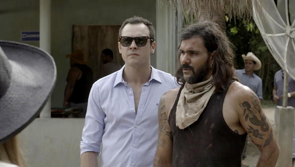 Mas Gael está decidido a ajudar nas buscas por sobreviventes (Foto: TV Globo)