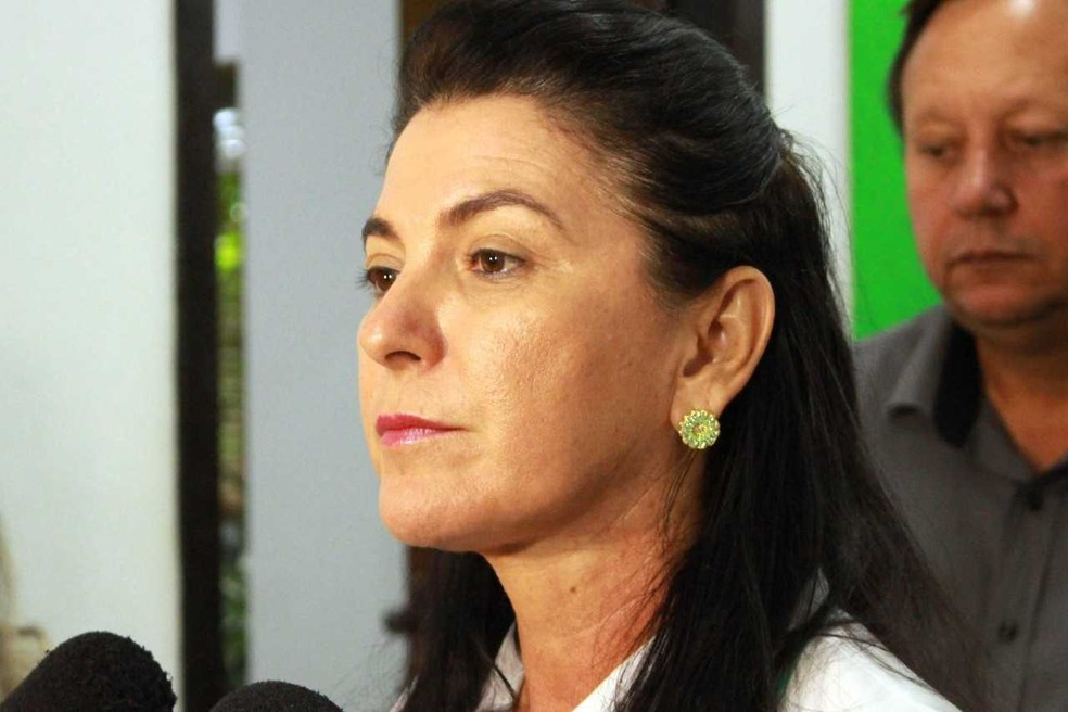 Prefeita de Sinop Rosana Martinelli assinou novo decreto com medidas restritivas — Foto: Prefeitura de Sinop-MT/ Assessoria