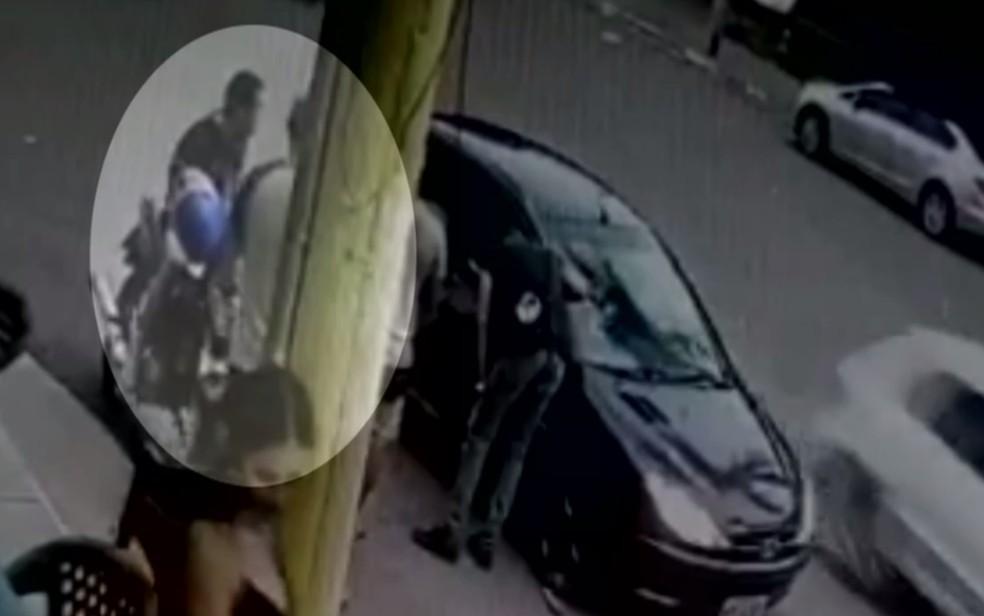 Matheus momentos antes de ser baleado na cabeça em Goiânia — Foto: Reprodução/TV Anhanguera
