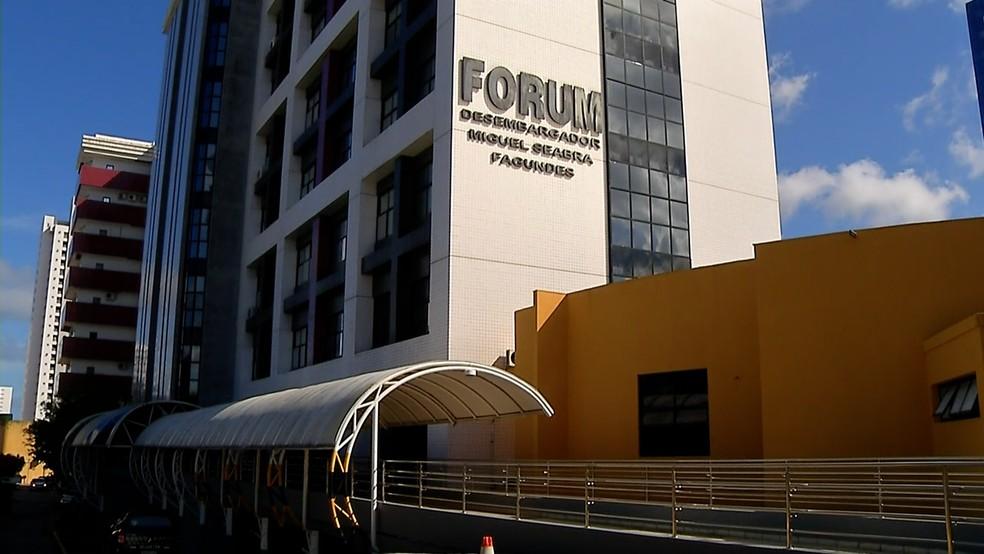Depoimentos aconteceram no Fórum Miguel Seabra, me Natal — Foto: Reprodução/Inter TV Cabugi