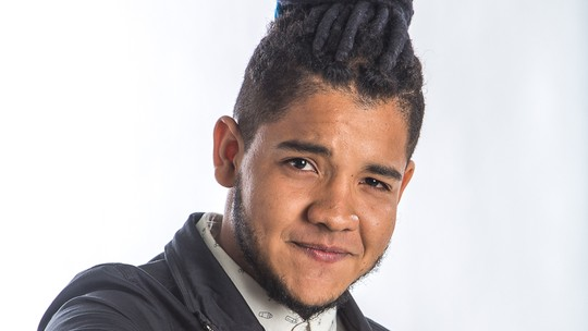 Afonso Cappelo defende o Time Brown na Final do 'The Voice Brasil'