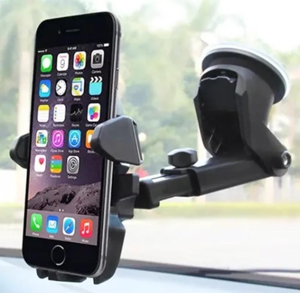 O suporte veicular oferece segurança para aquelas que não vivem sem o GPS — Foto: Divulgação/Mercado Livre
