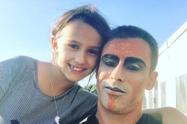 Yann Arnaud com sua filha mais velha (Foto: reprodução/ instagram)