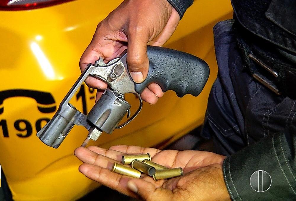 Motorista de aplicativo reage a assalto, toma arma e atira em bandido na Zona Sul de Natal - Notícias - Plantão Diário