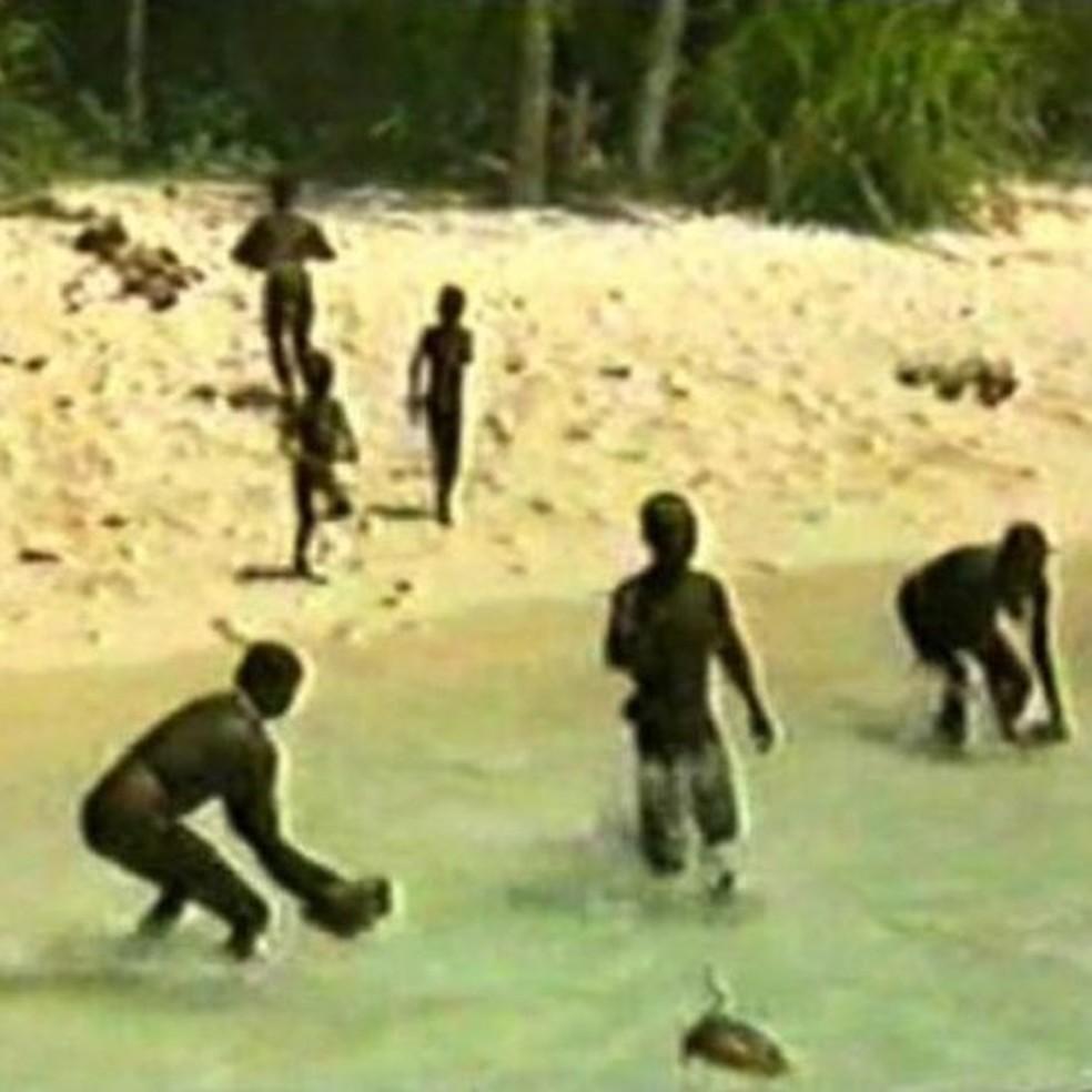 Grupo de direitos humanos diz que Chau pode ter contaminado a tribo — Foto:  Survival via BBC