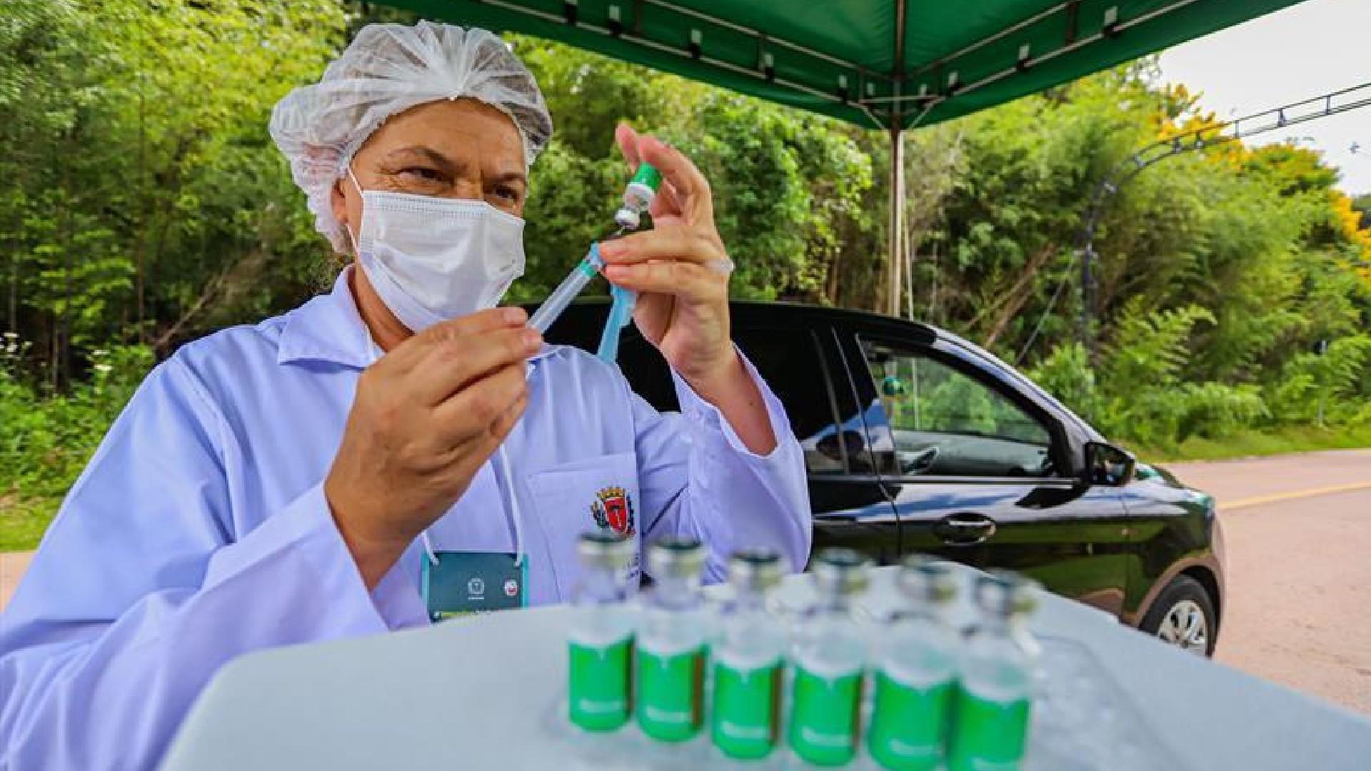 Vacinação contra a Covid em Curitiba será para idosos com 67 anos ou mais a partir de terça (13)