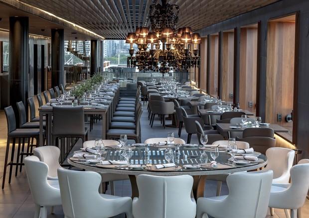 Salão renovado do Skye, restaurante do hotel Unique (Foto: Divulgação)