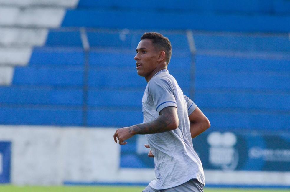 Reinaldo vira opção para o jogo de quarta — Foto: Augusto Oliveira/Ascom CSA