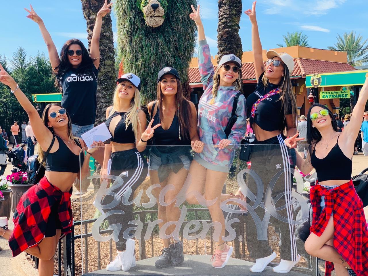 Bailarinas do Faustão causam alvoroço nos parques de Orlando (Foto: Divulgação)