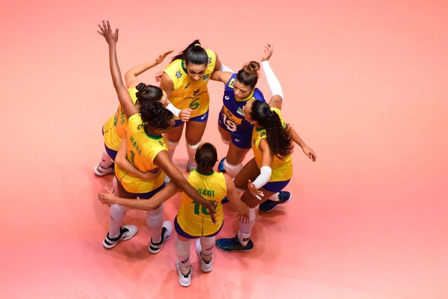 Tainara muda o jogo, e Brasil vence a Holanda na estreia da Semana 2 da Liga das Nações