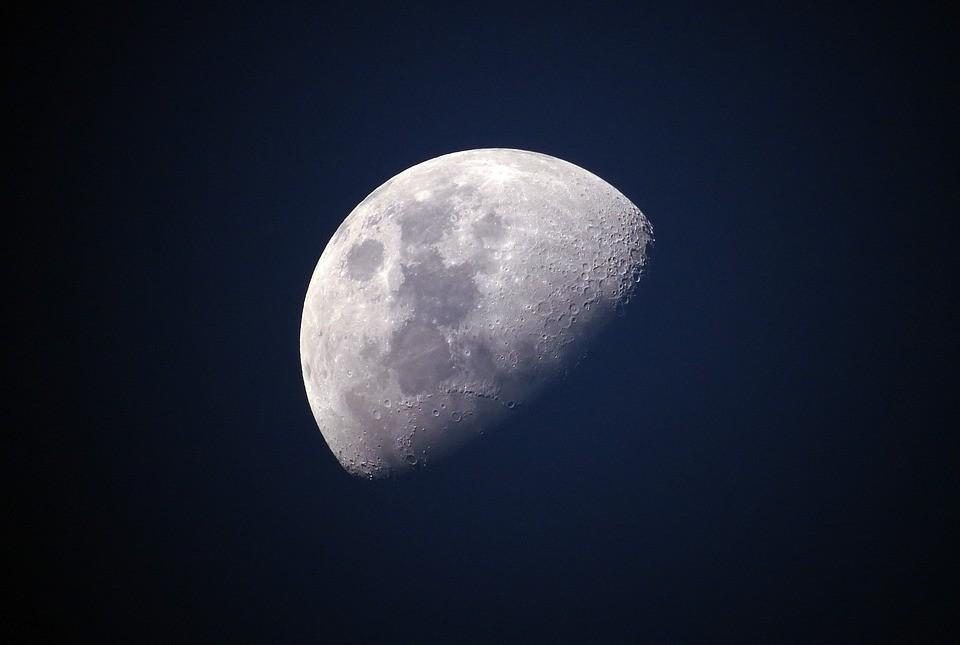 Lua (Foto: Pixabay)
