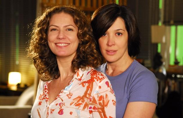 Em 'A favorita' (2008), a vilã Flora (Patrícia Pillar) até que tentou disfarçar seu ódio por Donatela (Claudia Raia), se fazendo de amiguinha, mas era tudo cena (Foto: Renato Rocha Miranda/TV Globo)